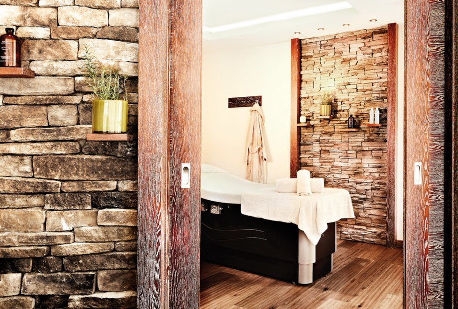 Grand tirolia kitzb hel projekte interior design gmbh for Catherine interior designer grand designs